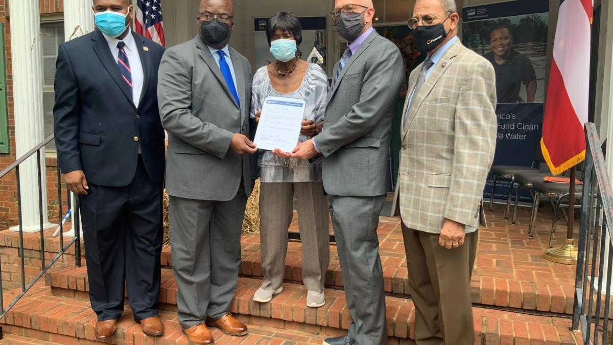 Congressman Sanford D. Bishop, Jr. (GA02) with leaders from the USDA and City of Buena Vista announce an $8.582M grant and loan award to repair and improve the city's wastewater treatment system